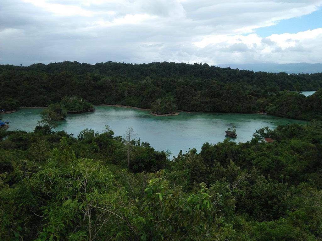Napabhale, Eksotisme Danau Air Asin di Lohia Muna